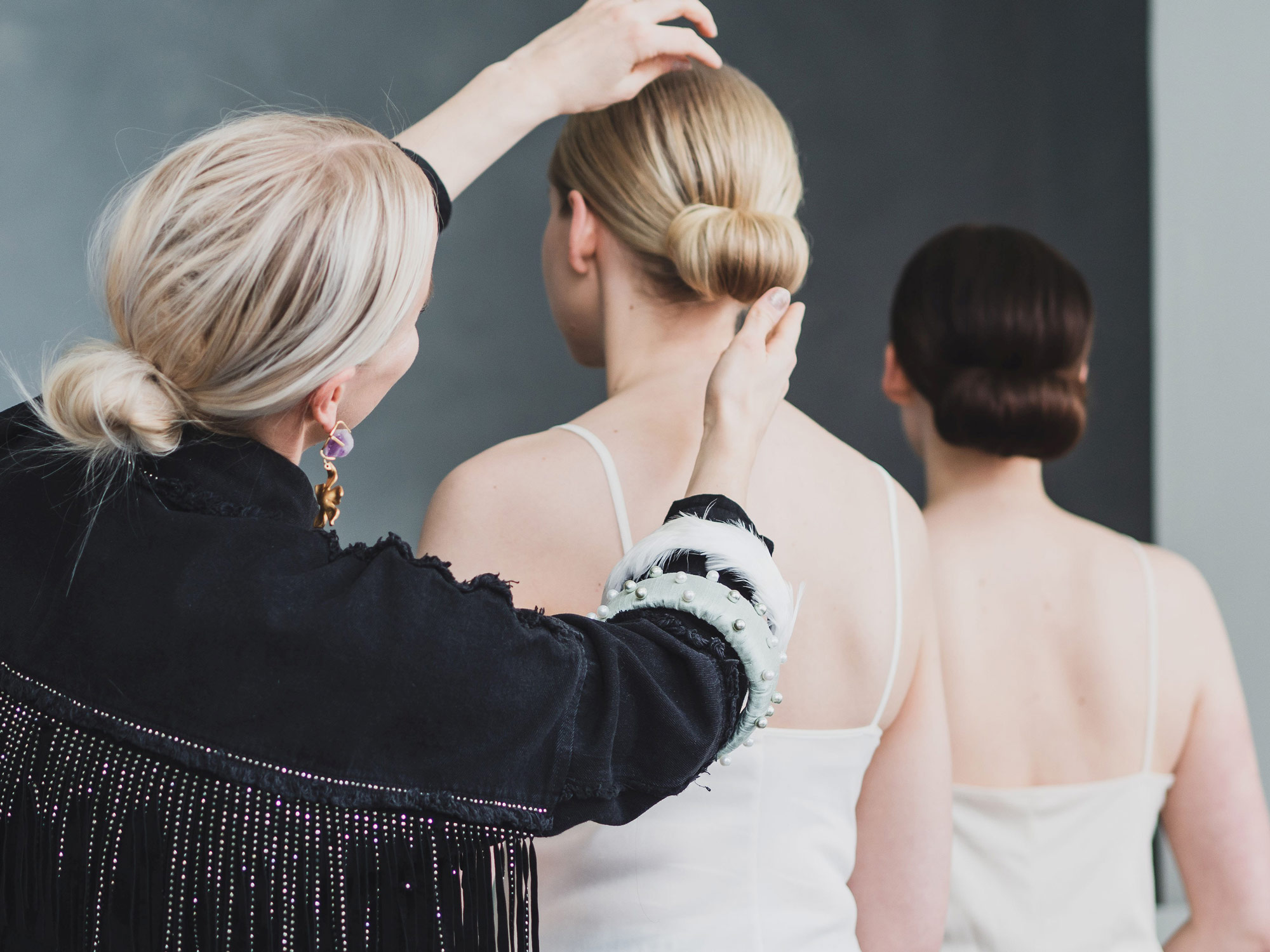 Fragrance-free wedding hairstyles are a positive surprise